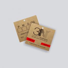 TAG KRAFT - Frente color e Verso cinza Kraft 300g 4,2x4,8cm 4x1 (Frente colorido e verso cinza) Sem verniz + furo TDK1250ZP